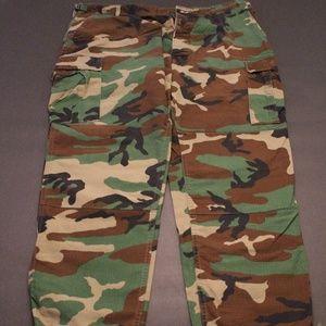 Other - MENS CAMO CARGO PANTS XL